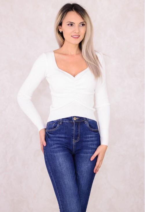 Pulover Heart Neckline White